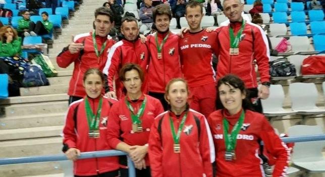 15 Medallas en el Andaluz Veterano de Pista Cubierta